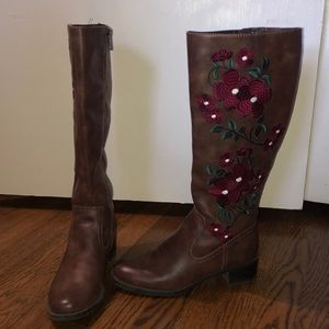 Mid season boots from Francesca size 9